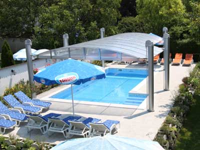 Ferienhaus mit swimmingpool und klima in siofok plattensee for Otto swimmingpool
